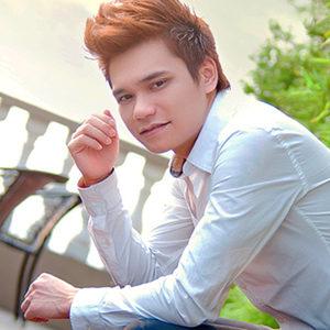 Nhạc sĩ Khắc Việt