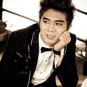 Nhạc sĩ Khánh Đơn