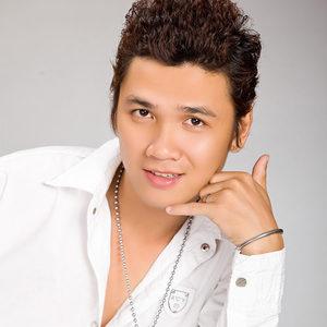 Nhạc sĩ Nguyên Chấn Phong