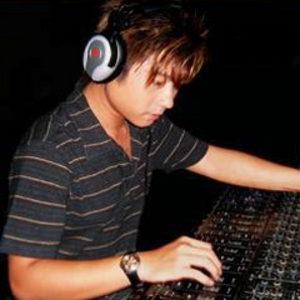 Nhạc sĩ Thái Khang